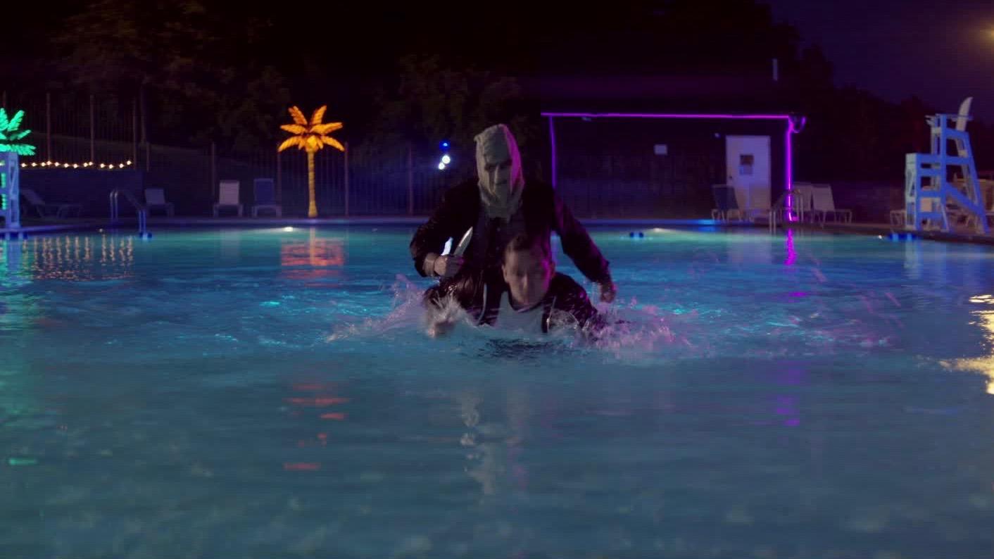 prey-at-night-pool